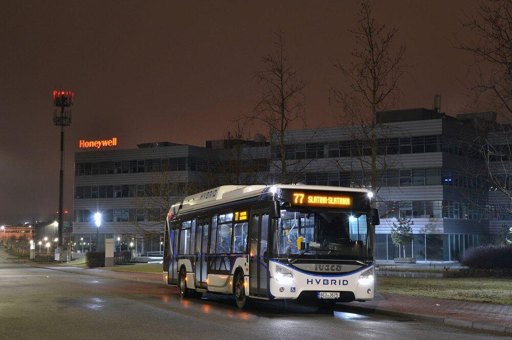 Po Praze se podíval hybridní autobus také do Brna. Testován by zde měl být zhruba tři týdny. (foto: Ing. Jiří Černý)