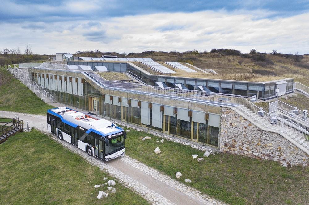 Solaris Urbino 12 electric na propagačním snímku výrobce. (foto: Solaris Bus & Coach)