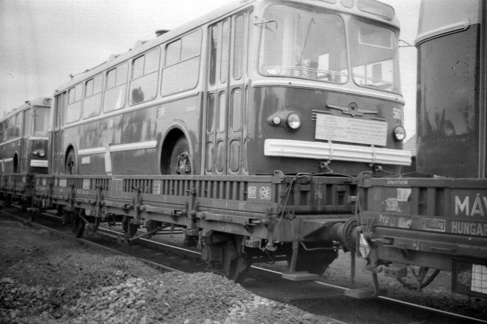 Trolejbusy ZiU-5 míří do Maďarska. Snímek představuje dodávku vozů z roku 1968. (zdroj: Wikipedia.hu)
