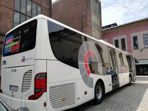 Na autobusech v Moravskoslezském kraji se mohou objevit reklamy