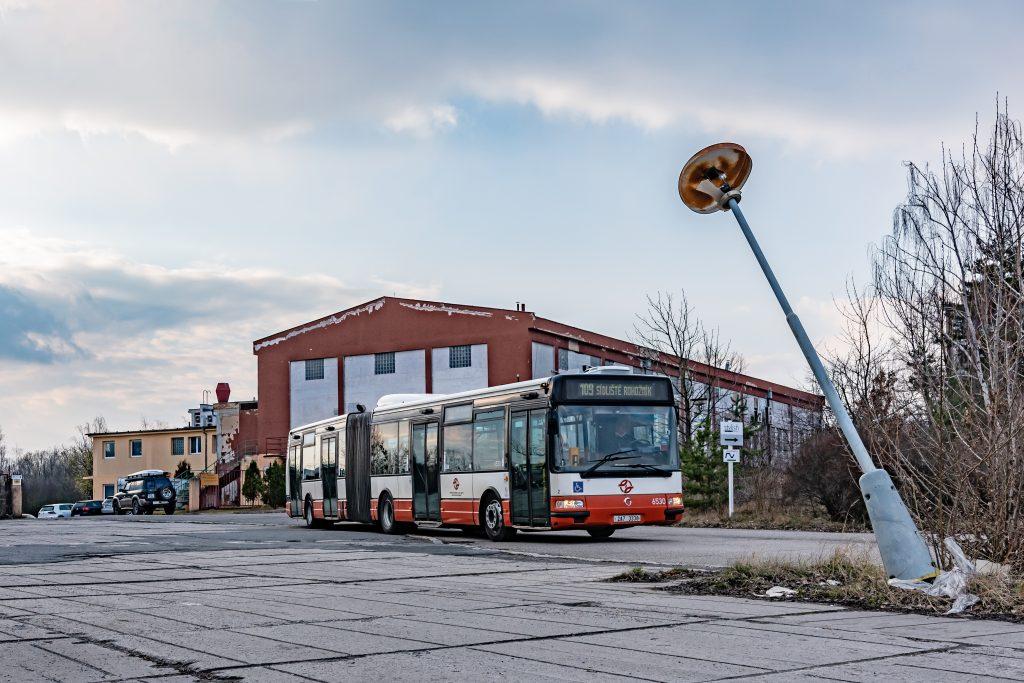Autobus Irisbus Citybus 18M ev. č. 6530 v areálu výzkumných ústavů v Běchovicích. (foto: Honza Tran)