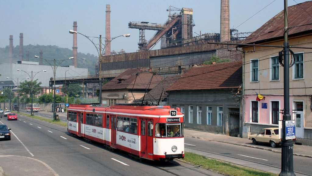 Tramvajový provoz se dařilo udržovat díky ojetých tramvají z Německa. Avšak jen do roku 2011 (zdroj: Flickr.com, foto: Tim Boric)