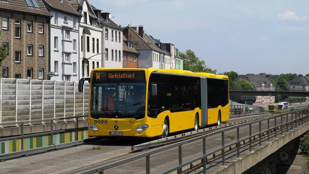 Nové Citaro ve verzi Spurbus pro Essen. Prozatím má dopravce k dispozici první z 20 objednaných vozů. (foto: EVAG)