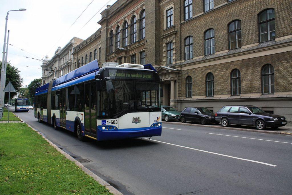 Trolejbus v Rize. (foto: Anneli Salo/Wikipedia.org)