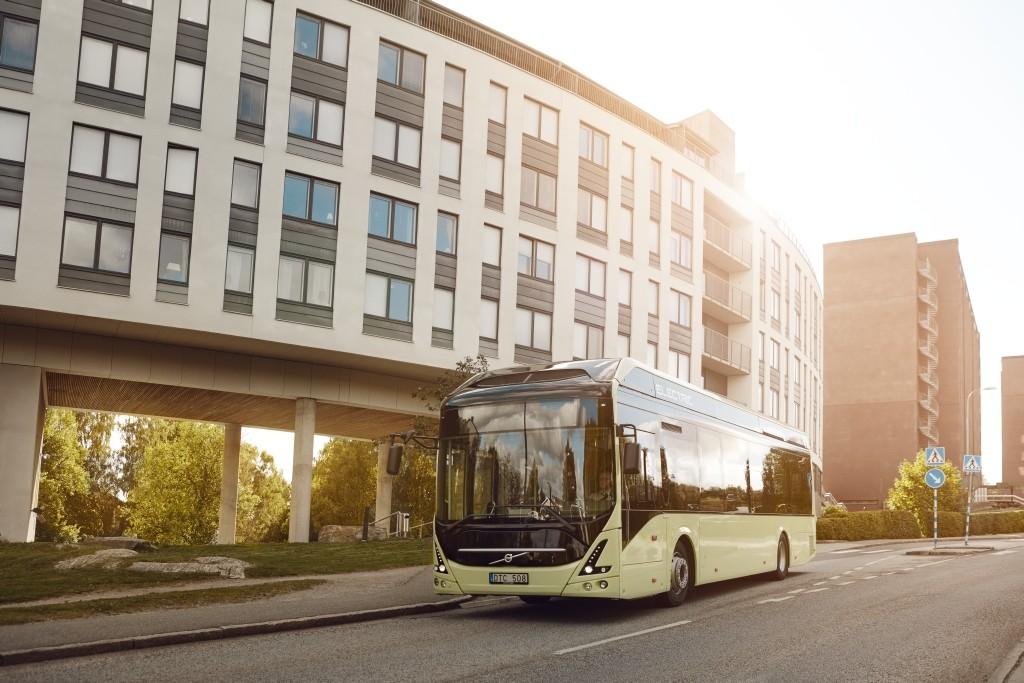 Elektrobus Volvo 7900 Electric na propagační fotografii výrobce. (foto: Volvo Buses)