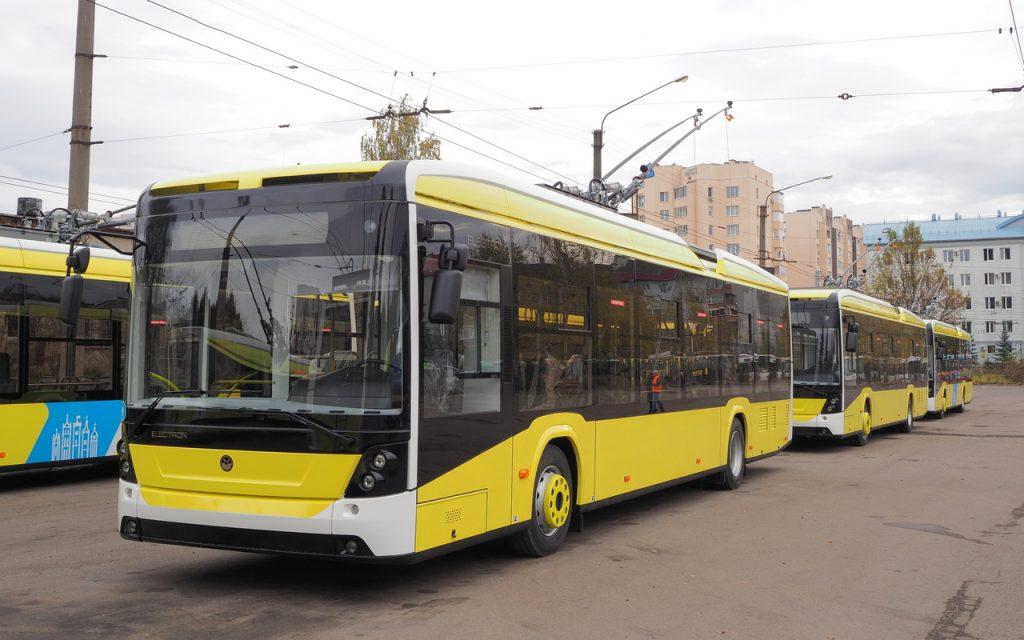 Nové vozy v listopadu 2019. (foto: Jurij Pilipčuk)