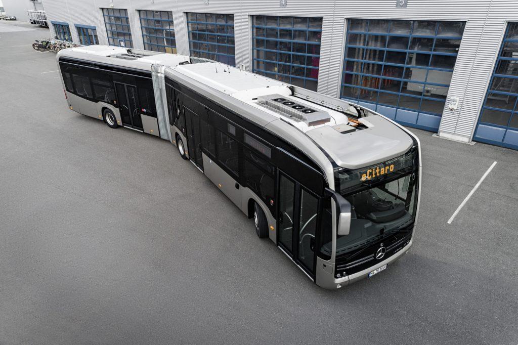 Nové eCitaro G od Mercedesu je nově vybaveno i bateriemi s pevným elektrolytem. (foto: Daimler Buses)