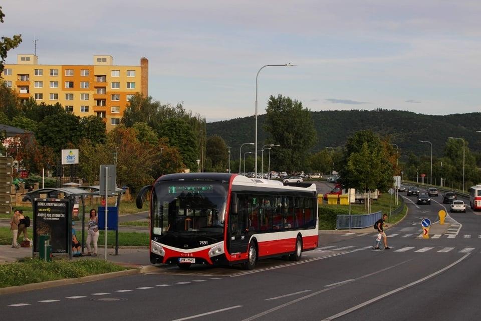 Autobus SOR NS 12 v Brně-Bystrci. (foto: Lukáš Novotný)