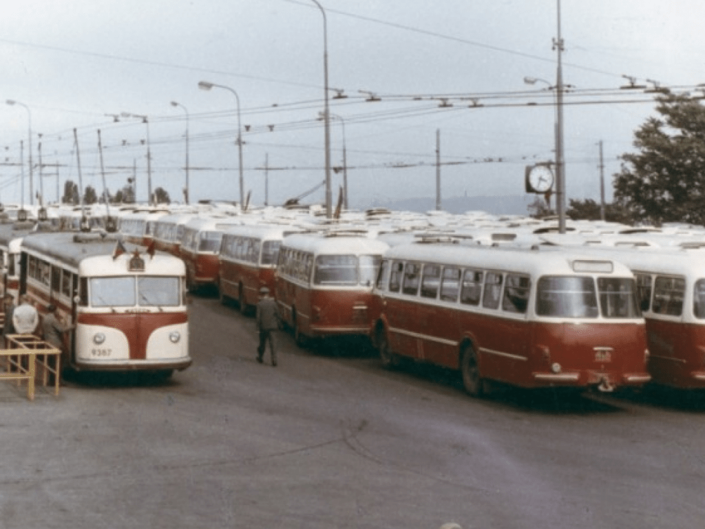 Spartakiády se na strahovský stadión již nevrátí, trolejbusy by se zde ale objevit mohly. Praha počítá s tím, že by kolem strahovského stadiónu projížděly hned dvě linky. (sbírka: archiv DPP)