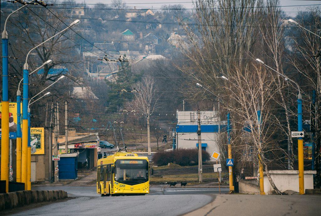 Trolejbus BKM-321 v Kramatorsku na snímku z roku 2017. (foto: Andrej Char'kovoj)
