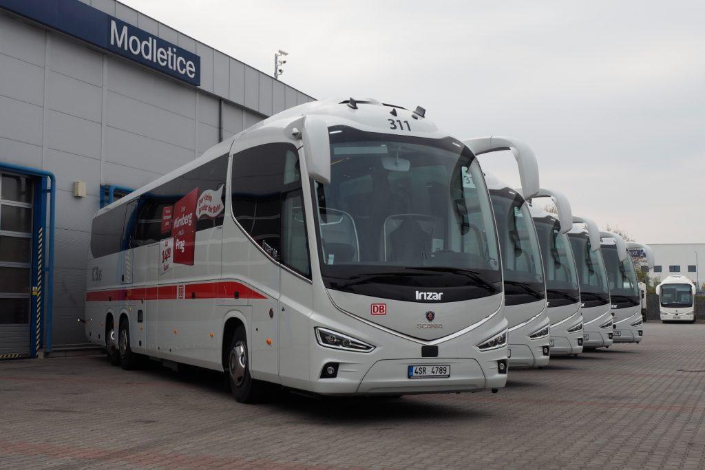 Nové autobusy Scania Irizar i8 představené v loňském roce pro linky IC Busu DB. Majitelem vozů je Student Agency (resp. RegioJet). (foto: Scania Czech Republic)
