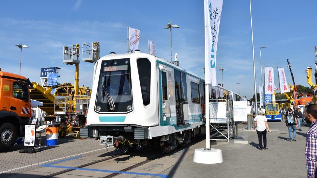 Jednotka metra Siemens Inspiro na veletrhu InnoTrans 2018. (foto: Libor Hinčica)