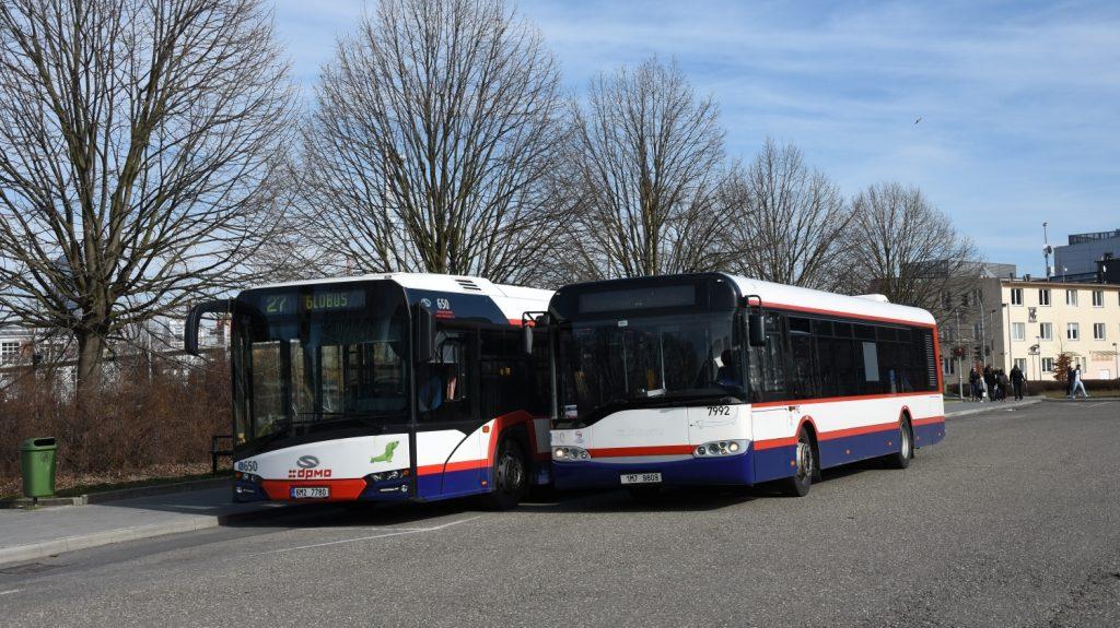 Autobusy značky Solaris začaly postupně ovládat Olomouc od roku 2003. Nejstarší vozy již byly vyřazeny v souvislosti s poslední dodávkou vozů tzv. čtvrté generace (New Urbino) a nalezly pak uplatnění u dalších dopravců. (foto: Libor Hinčica)