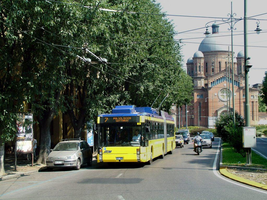 Trolejbus v Modeně na archivním snímku z roku 2008. (foto: Jurij Maller)