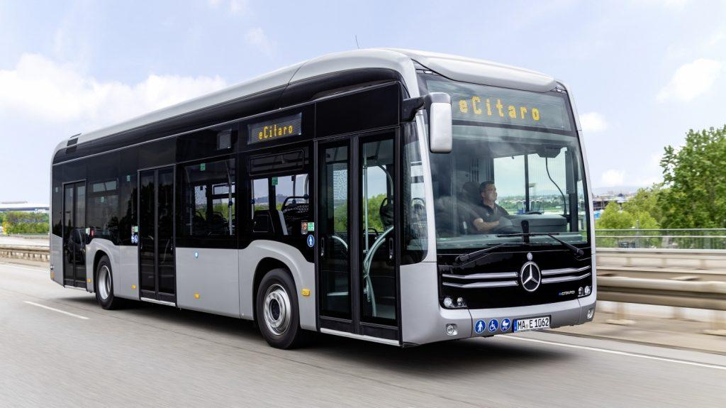 Elektrobus Mercedes-Benz eCitaro na propagačním snímku výrobce (foto: Daimler Buses)