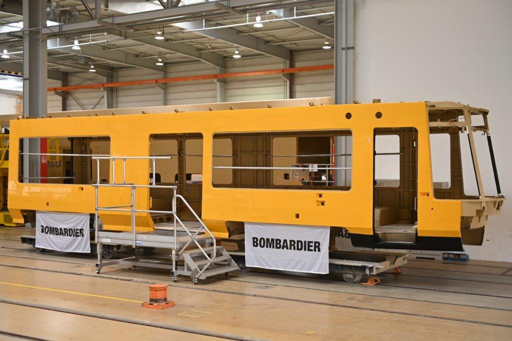 První vyrobený skelet vozu Bombardier Flexity NGT DX XX pro Drážďany. (foto: Bombardier)
