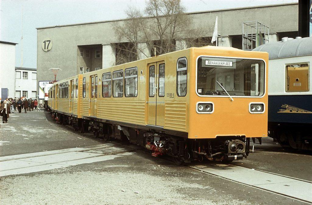 Sériová jednotka GI (Gisela) na veletrhu v Lipsku v roce 1982. (zdroj: Wikipedia.de; foto: Falk)
