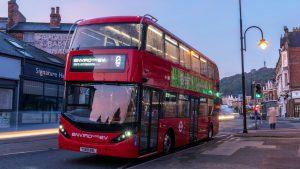 Až 800 patrových elektrobusů pro Irsko