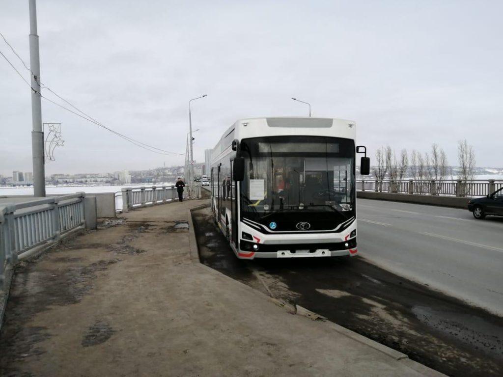 Trolejbus mezi Engelsem a Saratovem na snímku z 8. 2. 2021. (foto: PK TS)