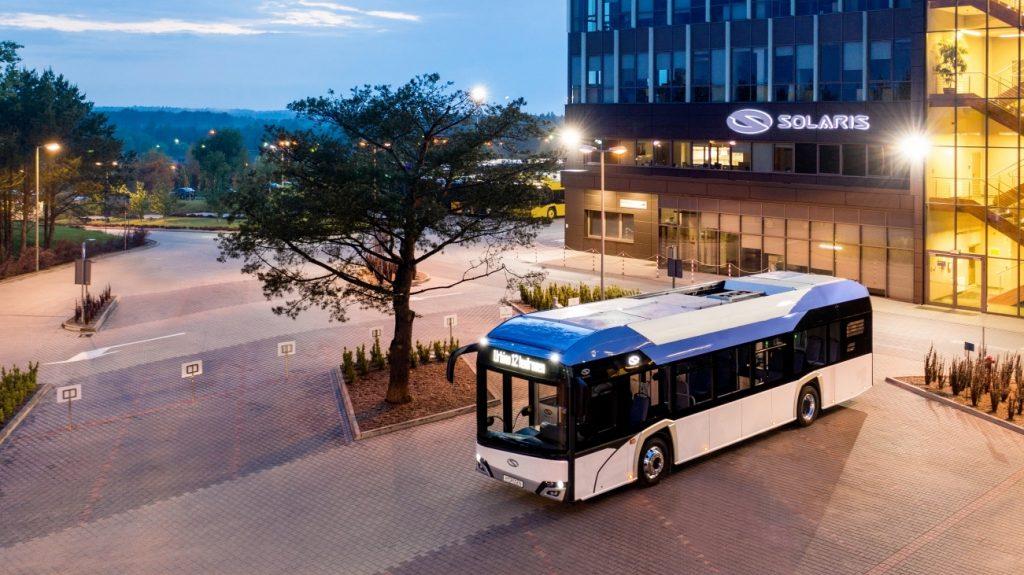 Vodíkové Urbino od Solarisu ve výrobním závodě. (foto: Solaris Bus & Coach)