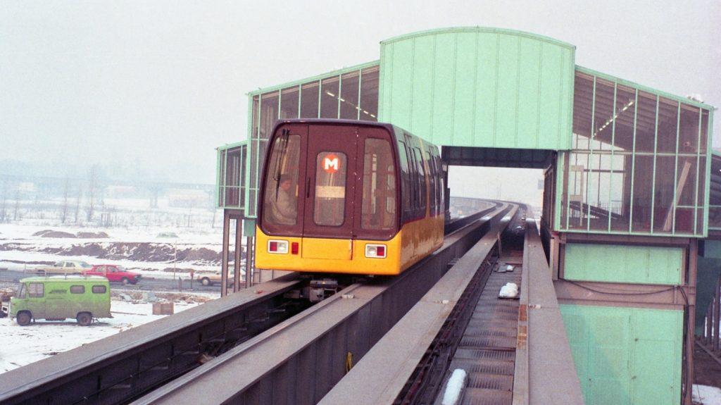 Jedna ze slavných propagačních fotek M-Bahnu v Berlíně z roku 1986. (foto: archiv BVG)