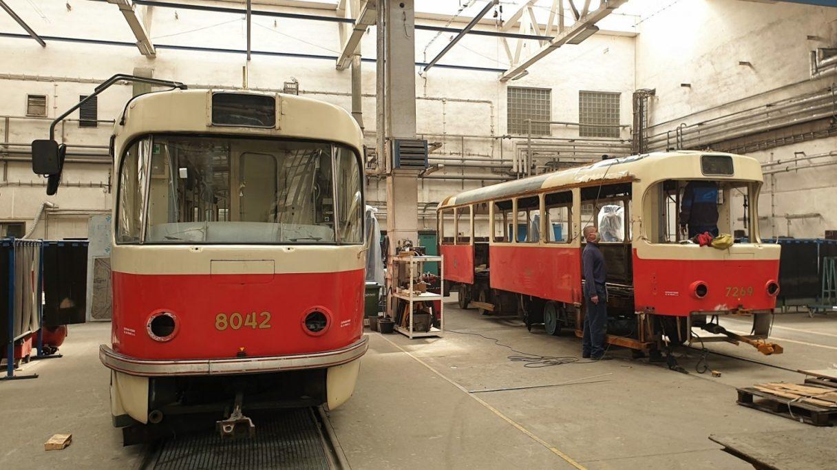 V Praze vyjede na linku 2 opravený vůz T3SUCS