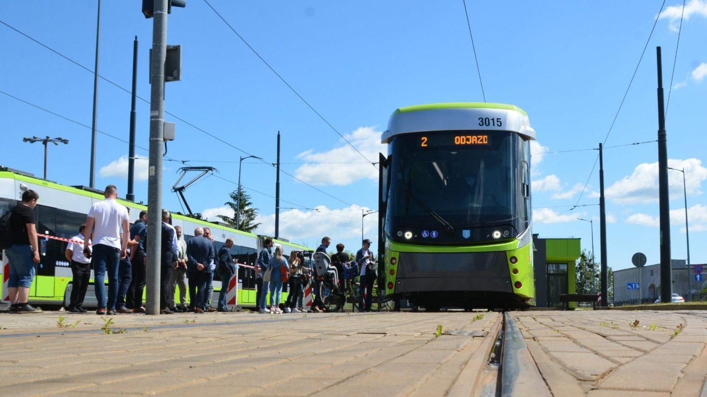 Slavnostní prezentace vozidla Durmazlar Panorama před uvedením do provozu. (foto: Město Olsztyn)