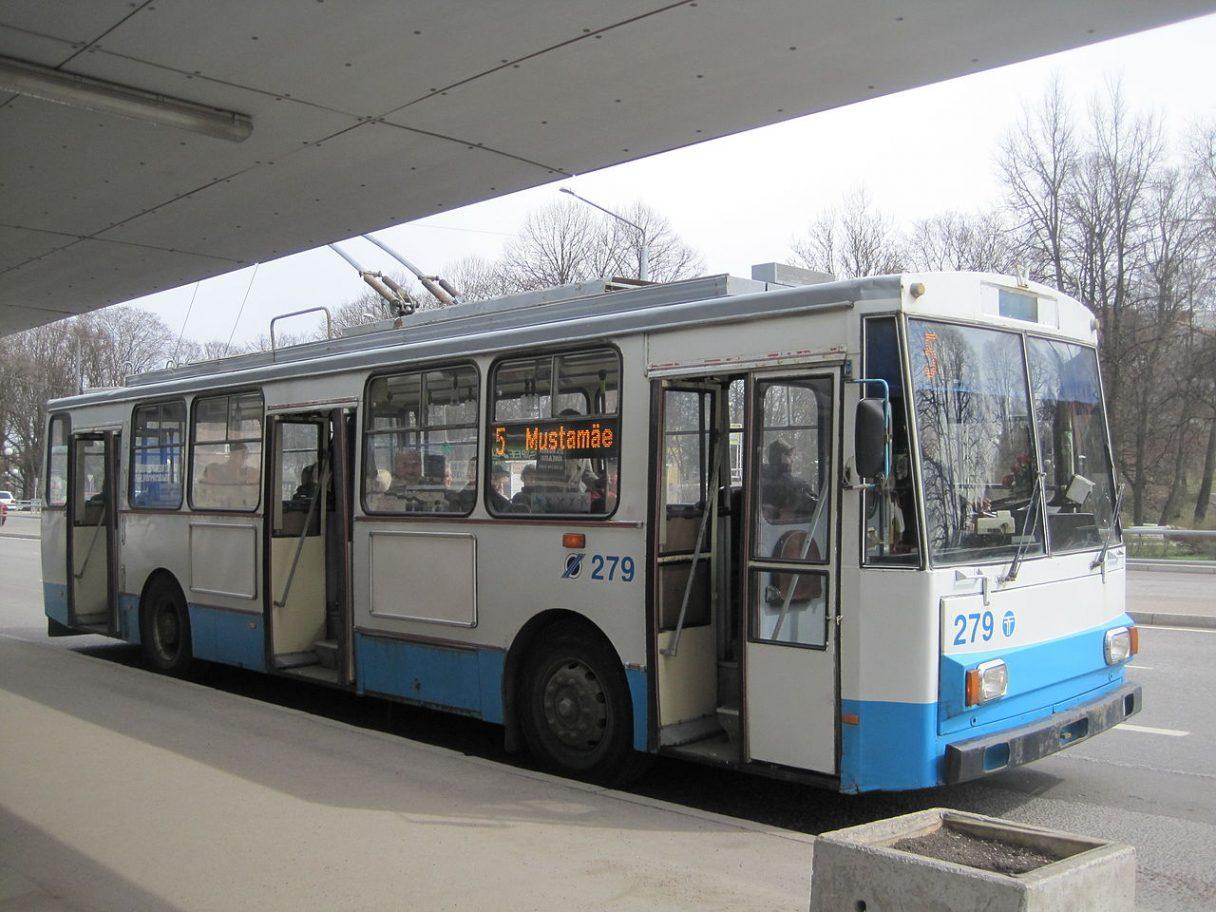 Ředitel dopravního podniku v Tallinnu vidí v trolejbusech budoucnost