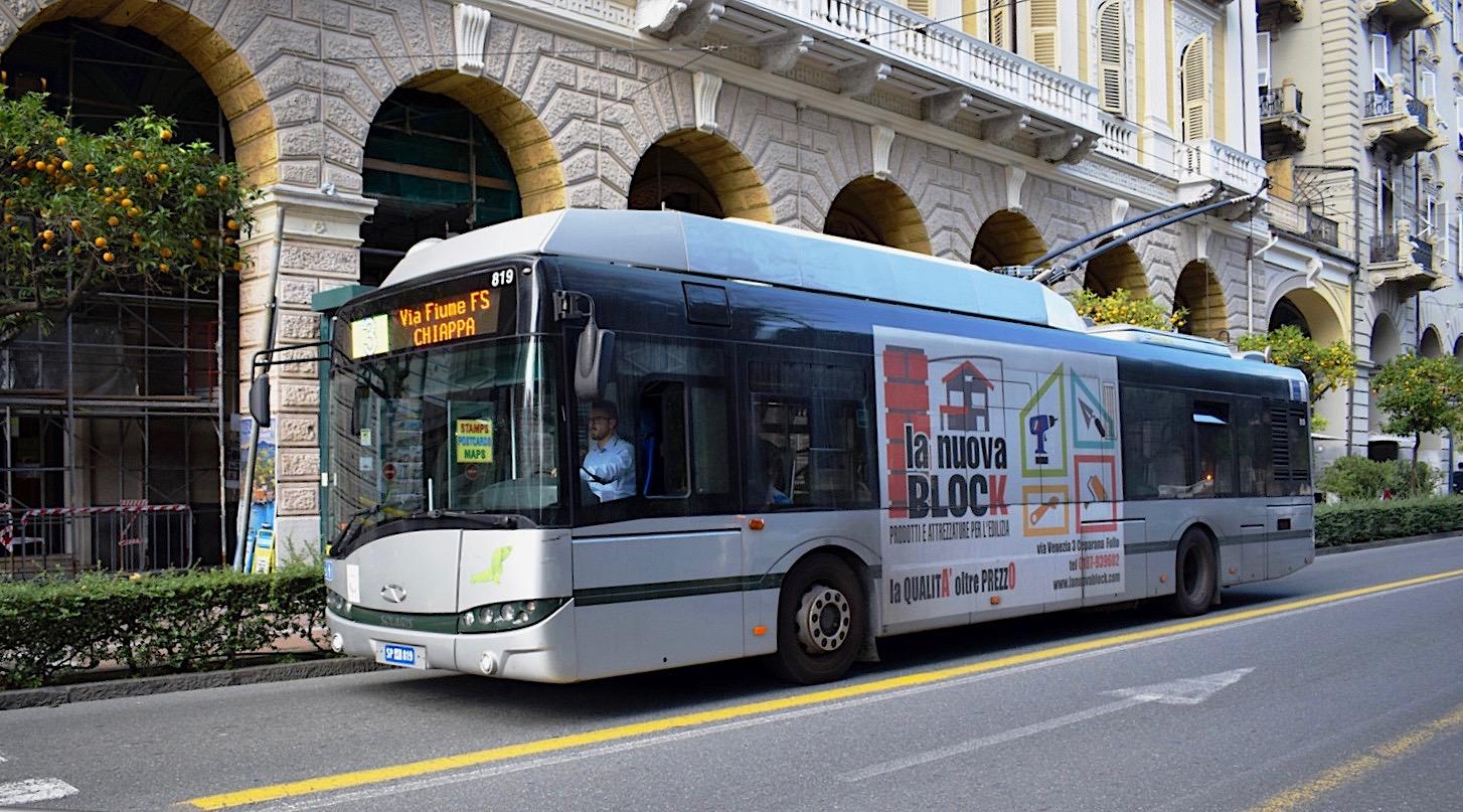 V roce 2014 bylo do la Spezie předáno 8 trolejbusů Trollino 12. Nyní Solaris dodá další trolejbusy. (foto: János Korom; zdroj: Wikipedia.org)