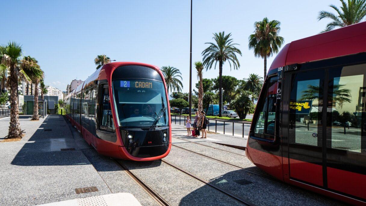"""Alstom dodá 37 tramvají pro """"pařížskou"""" linku T1"""